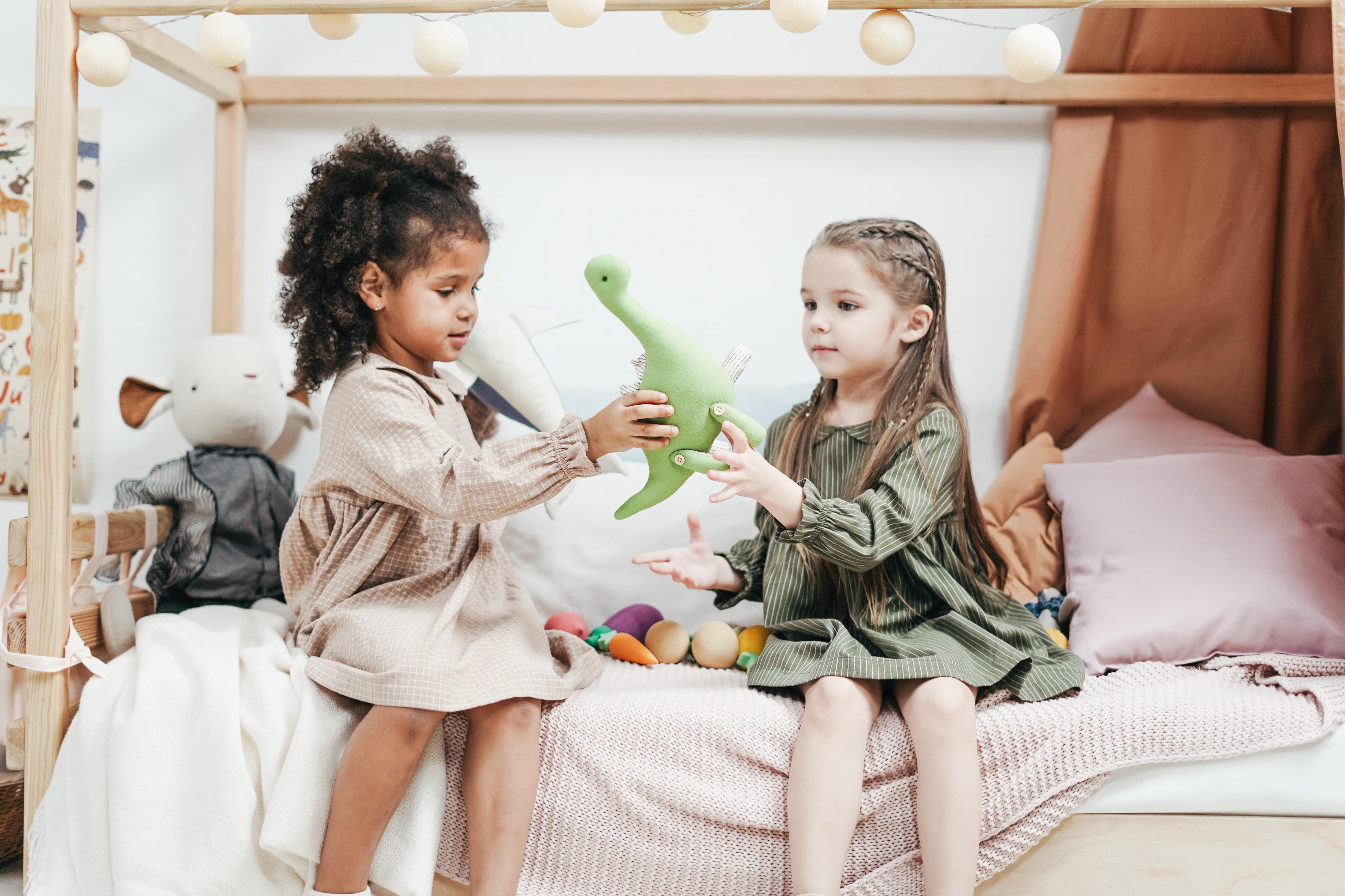 5 modi per insegnare la condivisione ai bambini piccoli e in età prescolare